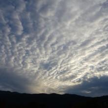 うろこ雲の翌日は雨